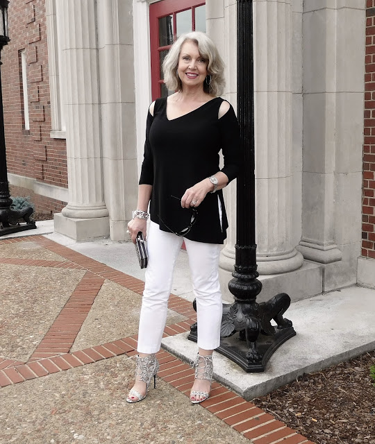2c59ac121b6 Yesterday I showed you some of my favorite looks for cooler weather.  Today s post is all about dressing for hot weather.